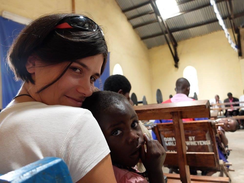 Novogoričanka Monika Korenč na humanitarno-medicinski odpravi v Ugandi
