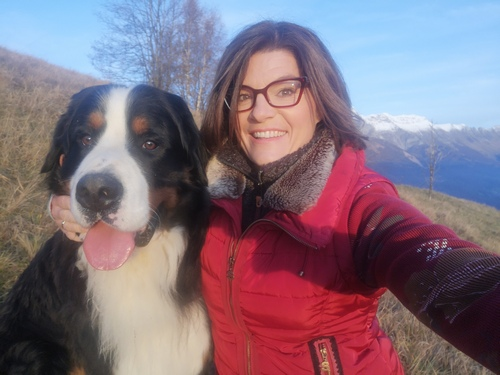 Vsestranska novinarka Maja Roš, šefinja Nebes